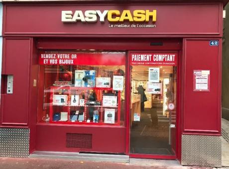 Renouvellement de la peinture de facade de la boutique Easy Cash